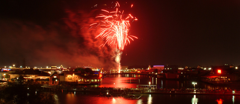 head out and enjoy a night of myrtle beach fireworks this summer