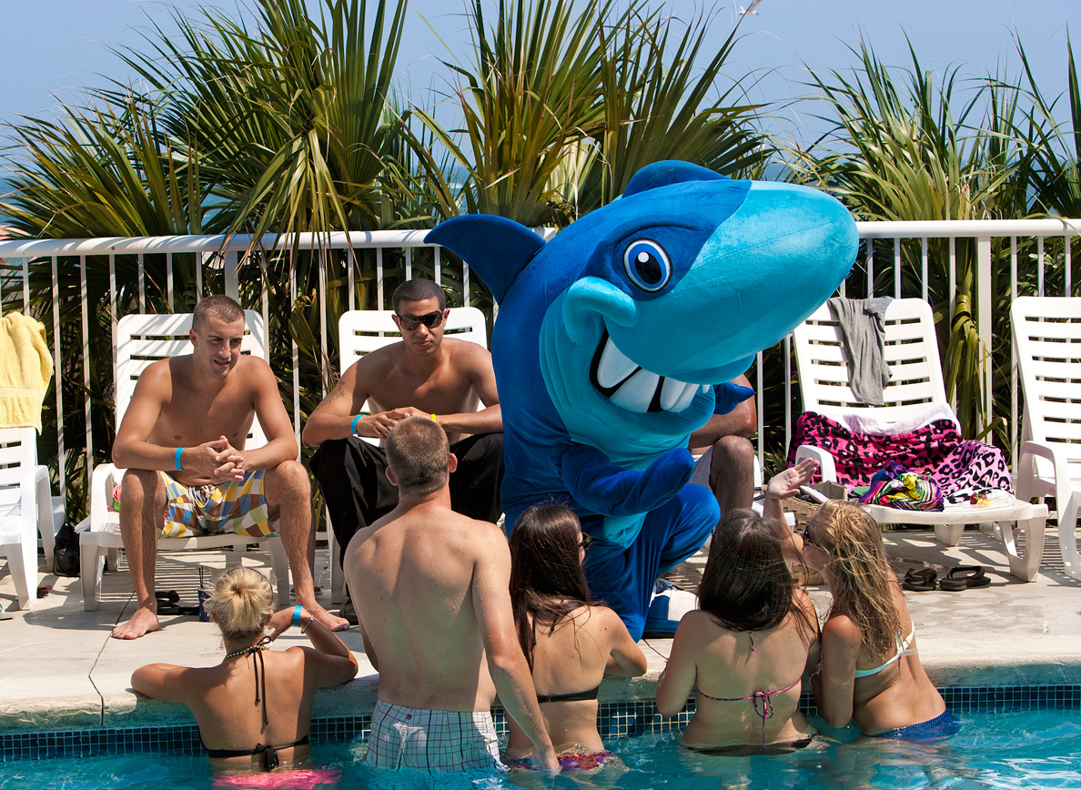 Sunday Therapy Pool Party at hotel BLUE Myrtle Beach